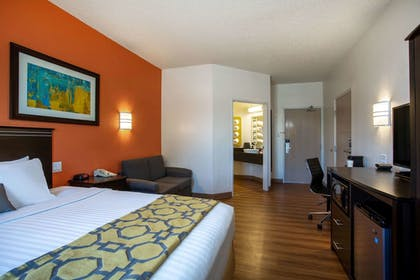 Room | Baymont Inn & Suites Sheridan