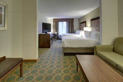 Guestroom | Holiday Inn Express Hotel & Suites Emporia