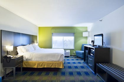 Guestroom | Holiday Inn Express Hotel & Suites Vermillion