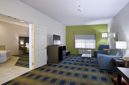 Living Area | Holiday Inn Express Hotel & Suites Vermillion