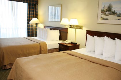 Guestroom | Quality Inn and Suites Everett