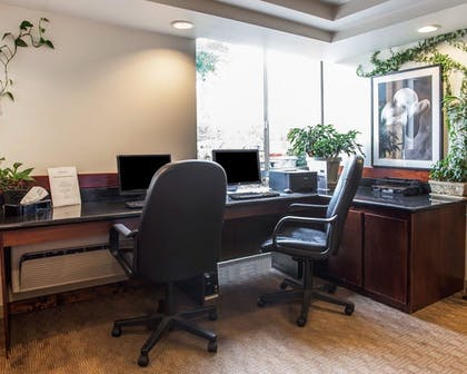 Business Center | Quality Inn and Suites Everett