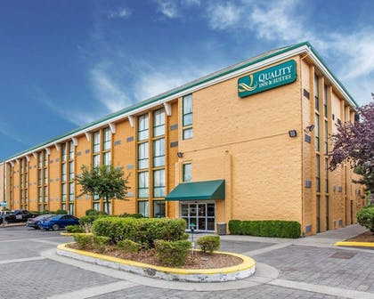 Exterior | Quality Inn and Suites Everett