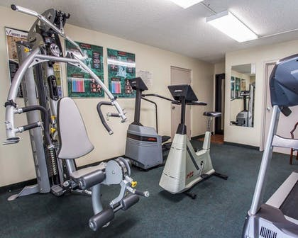 Fitness Facility | Quality Inn and Suites Everett