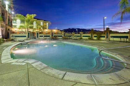 Pool | Holiday Inn Express & Suites Tucson