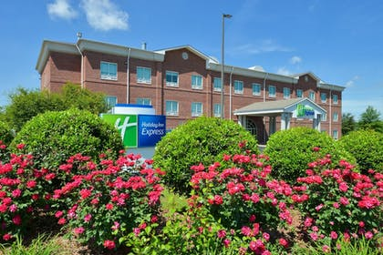 Featured Image   Holiday Inn Express Campbellsville