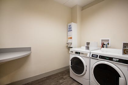 Laundry Room | Holiday Inn Express Hotel & Suites Tavares - Leesburg