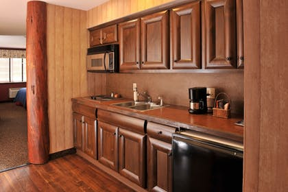 In-Room Kitchen | Stoney Creek Hotel & Conference Center Columbia