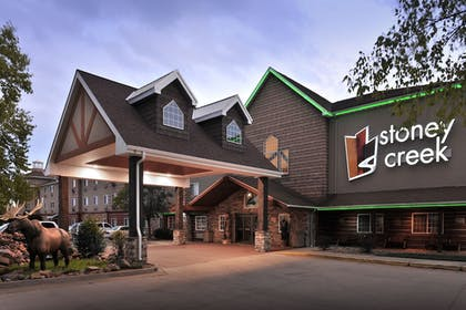 Hotel Front - Evening/Night | Stoney Creek Hotel & Conference Center Columbia