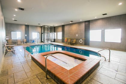 Indoor Spa Tub | Holiday Inn Longview - North