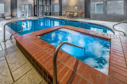Pool | Holiday Inn Longview - North