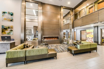 Lobby Sitting Area | Holiday Inn Longview - North