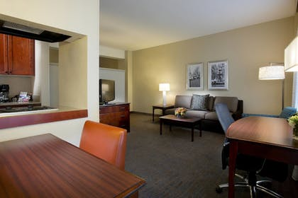 Guestroom | Residence Inn by Marriott Memphis Downtown