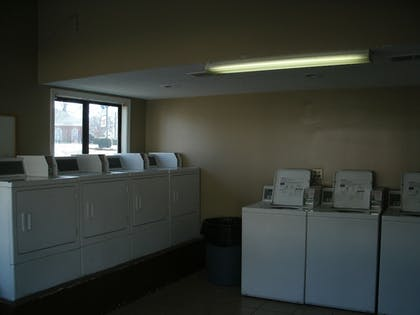Laundry Room | Admiralty Suites & Inn