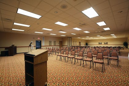 Meeting Facility | Boarders Inn & Suites by Cobblestone Hotels - Shawano