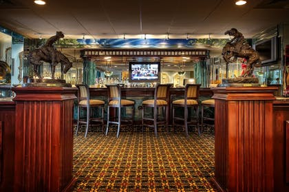 Hotel Bar   Salvatore's Garden Place Hotel, an Ascend Hotel Collection