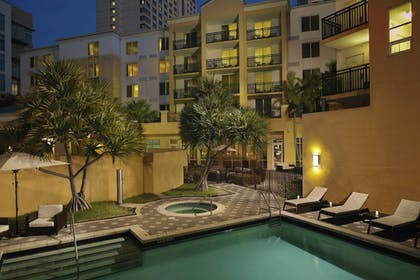 Outdoor Spa Tub | Courtyard by Marriott Miami Dadeland