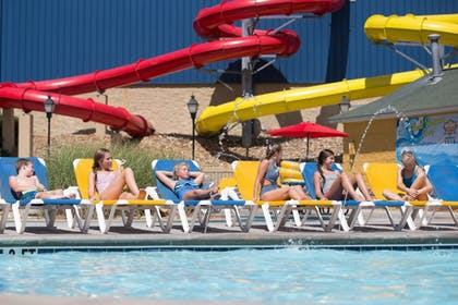 Outdoor Pool | The Resort at Governor's Crossing