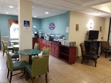 Breakfast Area | Baymont by Wyndham Grovetown Augusta