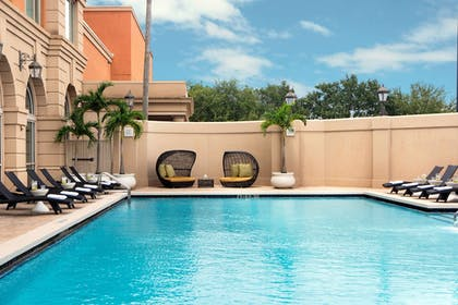 Outdoor Pool | Renaissance Tampa International Plaza Hotel