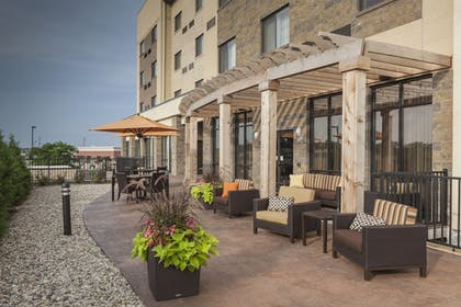 Terrace/Patio | Fairfield Inn & Suites by Marriott Indianapolis Noblesville