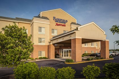 Hotel Front | Fairfield Inn & Suites by Marriott Indianapolis Noblesville