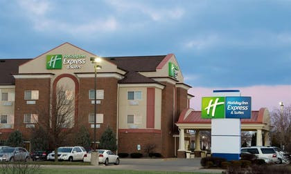 Exterior | Holiday Inn Express Hotel & Suites Danville