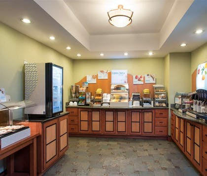 Restaurant | Holiday Inn Express Hotel & Suites Danville