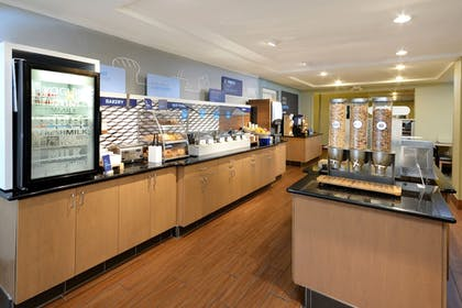 Restaurant | Holiday Inn Express Hotel & Suites High Point South