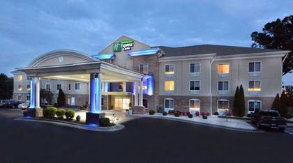 Hotel Entrance | Holiday Inn Express Hotel & Suites High Point South