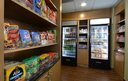 Snack Bar | Holiday Inn Express Hotel & Suites High Point South