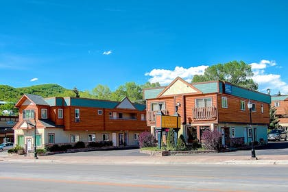 Pet-Friendly | Nordic Lodge Of Steamboat