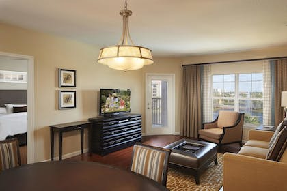 | 2 Bedroom 1 King 2 Doubles Suite and Sofabed | Hilton Grand Vacations at Tuscany Village