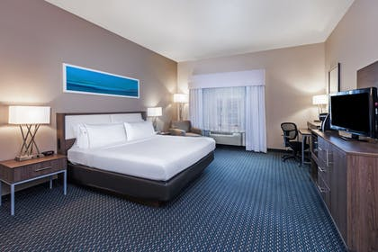 Guestroom | Holiday Inn Express Hotel & Suites Pharr