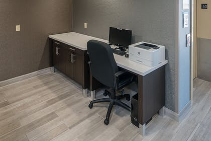 Business Center | Hotel Aura SFO