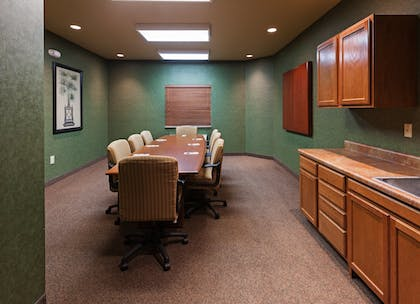 Meeting Facility | Candlewood Suites St Robert