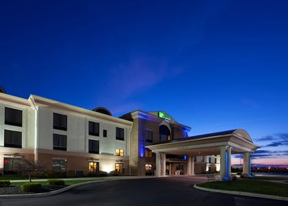 Exterior | Holiday Inn Express Hotel & Suites Bowling Green