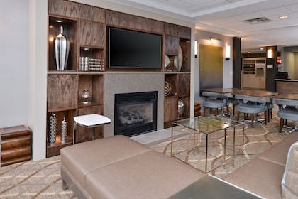 Lobby | Holiday Inn Express Hotel & Suites Lafayette