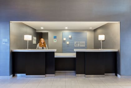 Lobby | Holiday Express Hotel & Suites Cooperstown
