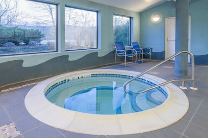 Pool | Holiday Express Hotel & Suites Cooperstown