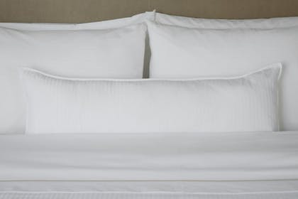 Guestroom | The Westin Houston Downtown