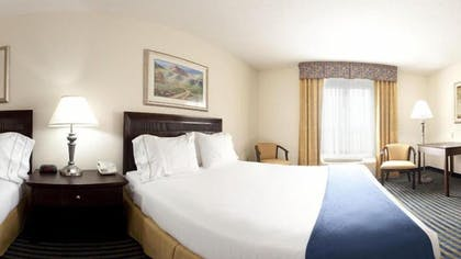 Guestroom | Holiday Inn Express Hotel & Suites Chesapeake