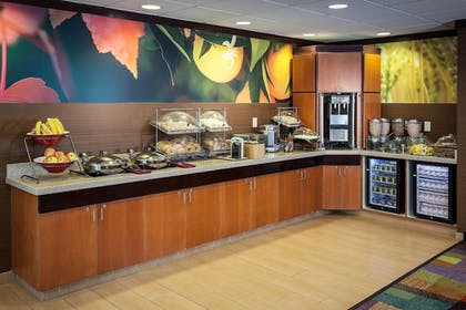 Restaurant | Fairfield Inn and Suites by Marriott Anchorage