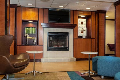 Lobby | Fairfield Inn and Suites by Marriott Anchorage
