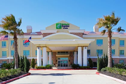 Featured Image | Holiday Inn Express Hotel & Suites Pearland