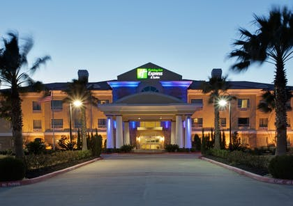 Exterior | Holiday Inn Express Hotel & Suites Pearland