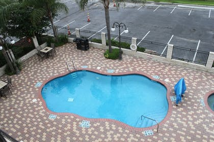 Pool   Holiday Inn Express & Suites Alice