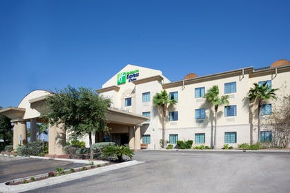 Exterior   Holiday Inn Express & Suites Alice