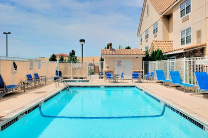 Outdoor Pool | Towneplace Suites by Marriott Las Cruces