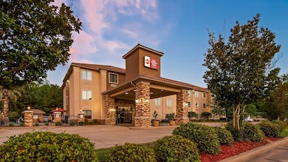 Featured Image | Best Western Plus Crown Colony Inn & Suites